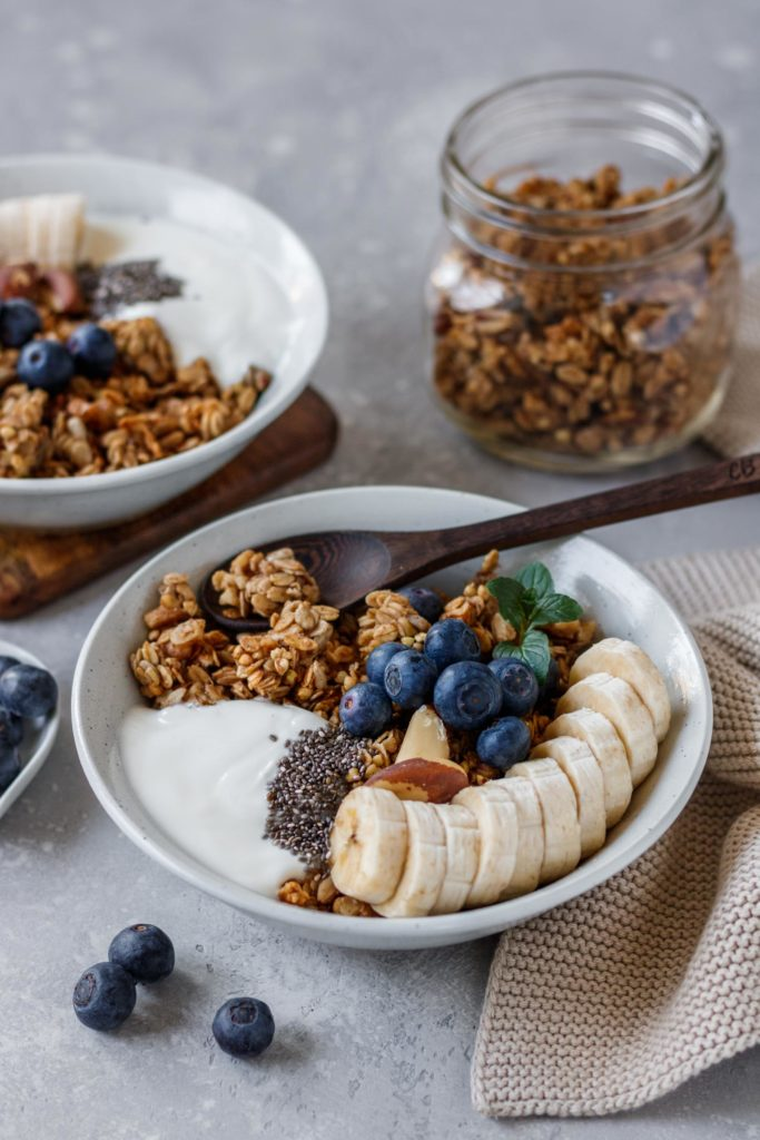 Bananenbrot Granola Rezept, einfach, knusprig, Vickys Healthy Dreams