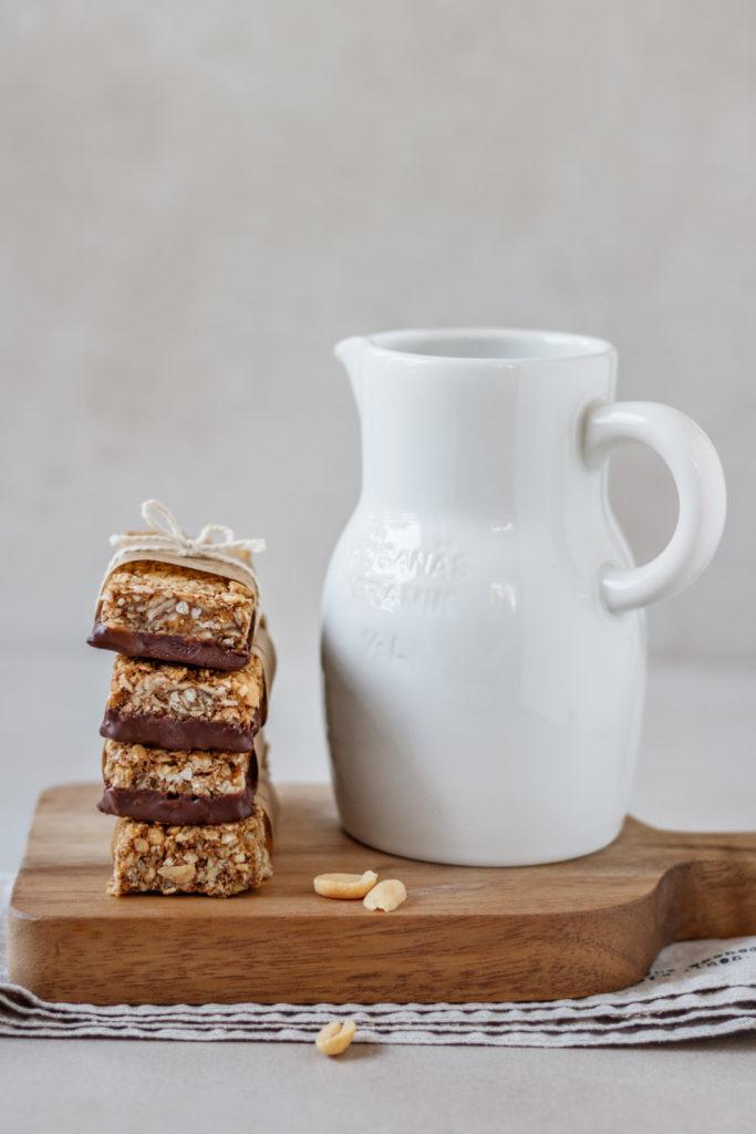 ein gesunder Snack für zwischendurch, Granola Bars mit Schokolade überzogen, Vickys Healthy Dreams
