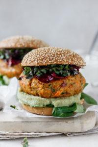 Gschmackiges Veggie-Burger Rezept mit Süßkartoffel und Karfiol, Vickys Healthy Dreams