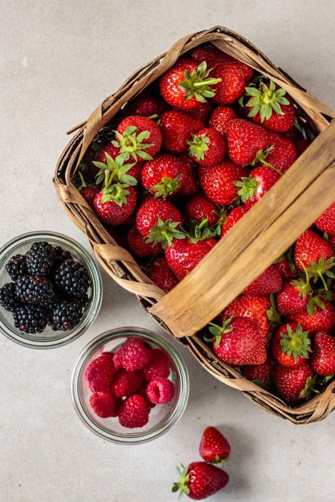 Erdbeer Rezept, Dessertideen, einfaches Dessert mit Beeren, Nachtisch mit Beeren, schnelles Dessert, Vickys Healthy Dreams